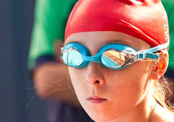 swim club goggles