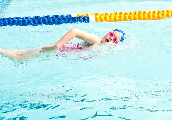 How swimming lessons help with other sports and improve performance